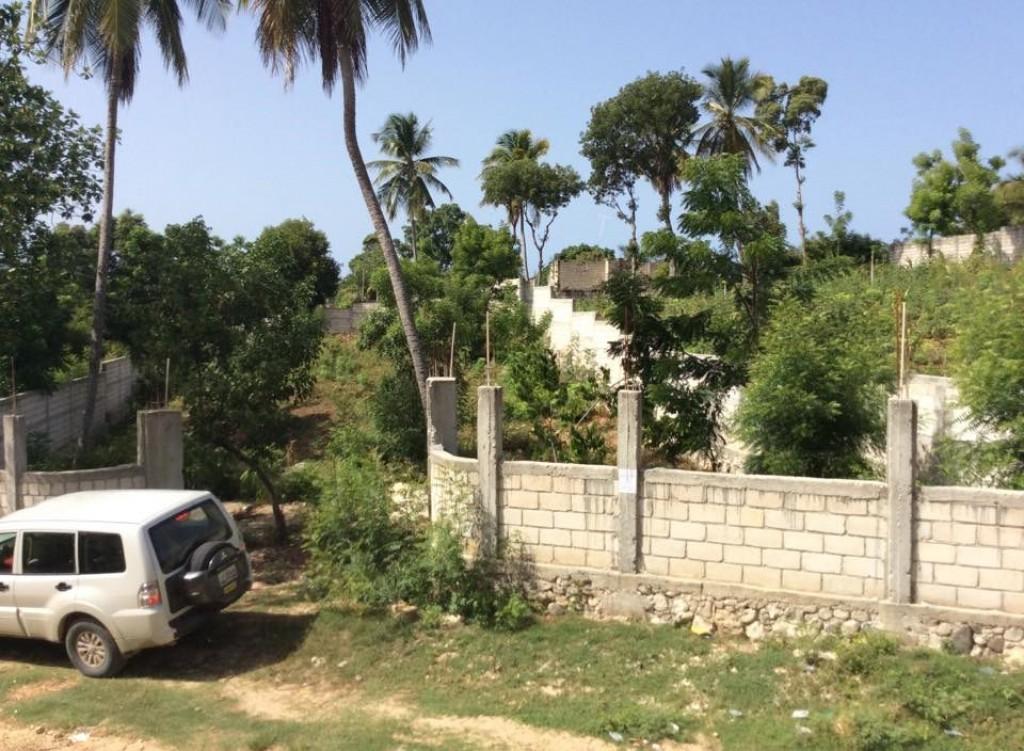 Terrain a vendre a jacmel terrain vendre jacmel sud for Prix des terrains non constructibles